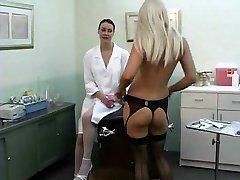 Lesbiečių Slaugytoja pasinaudoja PT1 DMvideos