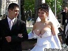 Nekilnojamojo Brides Parodyti Savo Pussies!