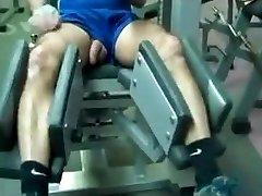 Str8 daddy Training im Fitness-Studio
