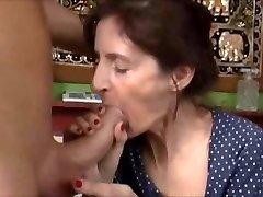 القبيح الجدة الجنس