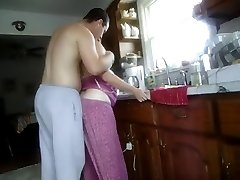 knullad i köket