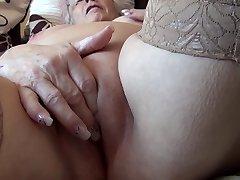 סבתא #1