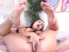 Jenna Sativa masturbation and sexy feet (short video)