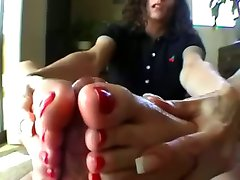 wiggly toes and cum