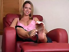 LICK MY FEET RIGHT NOW