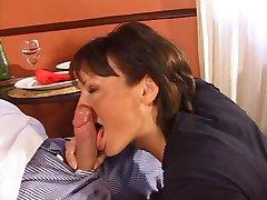 Horny Housewives-2 (Scène 2 Gina G)