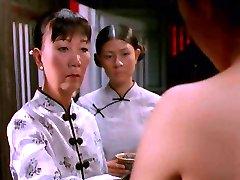 Prizori v Vietnamski film - Belo Svileno Obleko