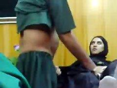 Mladí Pakistanské Dievča Impregnované Podľa Zvrhlík Lekára