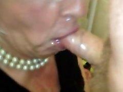 sperme bite dans la bouche