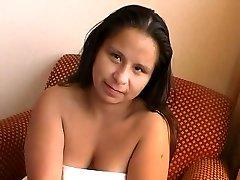 NDNgirls.com native american trpaslík v prdeli v Winnipeg, 25yo