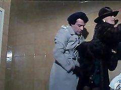 Barbara Bouchet v 40 GRADI VSE'OMBRA DEL LENZUOLO 1976