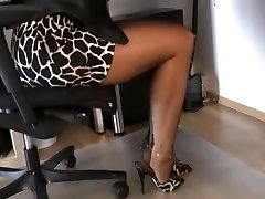 FF NYLONS ASSISTANT