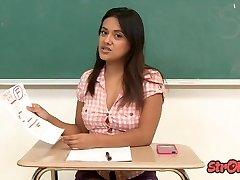 Zlý Študent Selma Hriechy Ťahy pre Lepšie Triedy