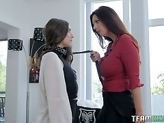 Arielle Faye is a subjugated piano college girl who deserves some scissoring