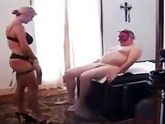 Dziadek relaksacyjny, sex klasyczny Strapon i Fisting