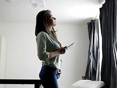 Nubiles - Silvia Jons - Glamour meisje