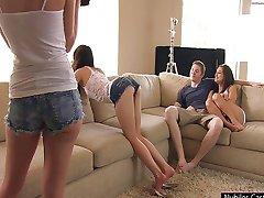 Porno casting liście wytrysk na cycki