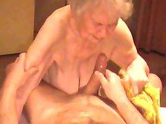 Bestemor Cumshot 04