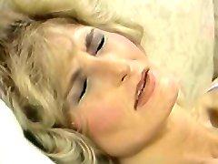 Lili Marlene (Hot Šortky) (1986) (Scn-1)