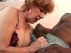 奶奶喜欢黑暗的肉