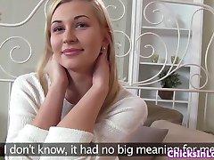 رومانسية مثلية strapon الملاعين لها اليورو الحبيب