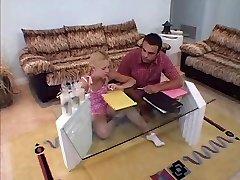 Przystojny nastolatek Lea Лув pieprzy się jej Nauczyciel