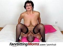 Gros seins naturels dame Greta avec un fille tchèque face-sitting
