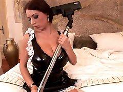خادمة يستمني مع فراغ