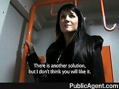 PublicAgent - Penélope fode no trem