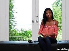 schüchtern 18 yr schwarzen mädchen, kommt aus ihrem schneckenhaus während der audition