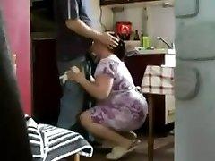Chubby Varanje MILF ujeli na skrite kamere