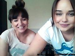 mama in hči na cam