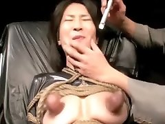 riesige Brustwarzen