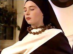 To Nonner Behagelig Sin Far, Som Hver Vei