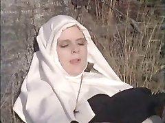war nonnen machen in die zonne