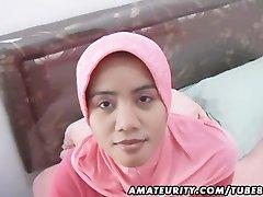अरब शौकिया पत्नी घर का बना blowjob और बकवास चेहरे के साथ