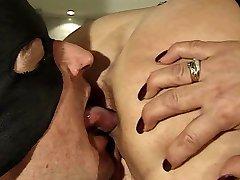 schiavo leccare il culo