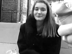 UK Dekleta Strmel in se Dotika UTRIPA KLINCI!