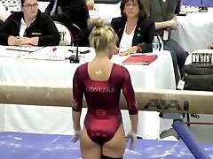 Blonde Ungdoms PAWG Gymnast