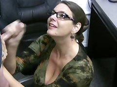 Carrie - Cum Omfattas Glasögon