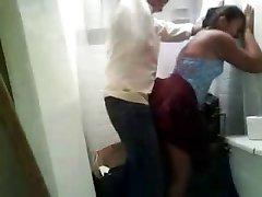 Ragazza indiana rapido cazzo con il suo BF in inutilizzati servizi igienici
