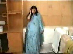Frisch verheiratete Indische paar auf Hochzeitsreise