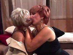 नानी समूह सेक्स