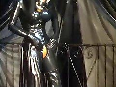 Fetisch latex - RubberEva - Schwere Gummi Nonne