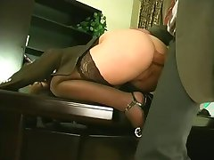 Office Right Sex(Closed Man,Bottomless Female)
