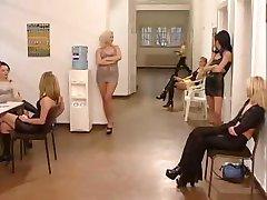 sehr heiß Deutsch sex in office