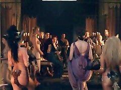 Spartacus: Orgie scene 01
