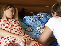 Neįtikėtinai vikrus pirštus ir seksualus kelnės