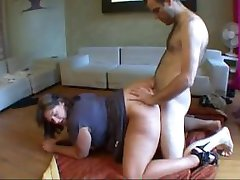 student dependent de sex cu o mare boops!