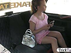 sani uriasi amatori blonde fete pizde lovit în taxi